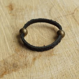 Armband zwart bewerkt