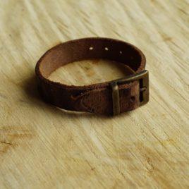 Bruine armband met gesp