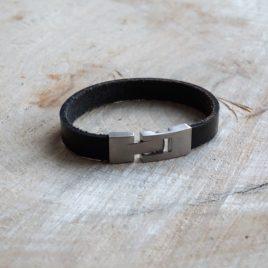 Zwarte leren armband
