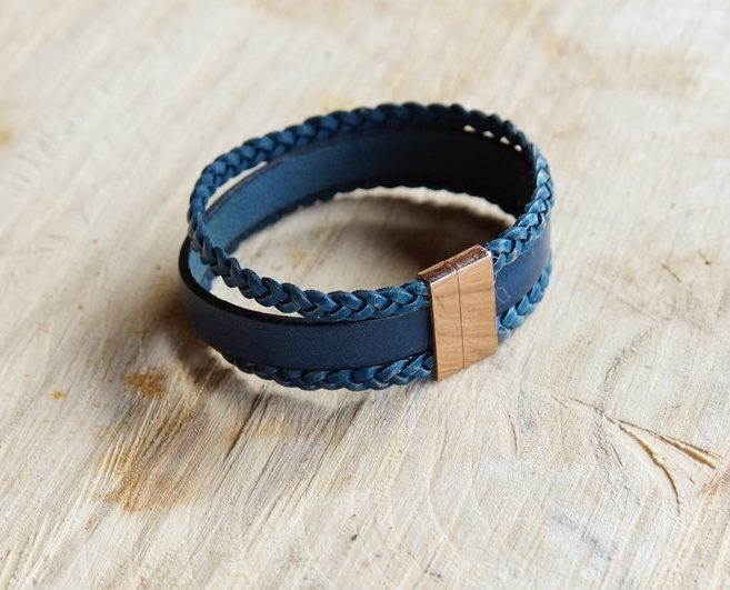 Armband glad leren en gevlochten bandjes met goudkleurige magneetsluiting