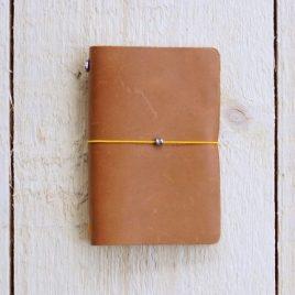 cognackleurig leren notitieboekje