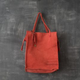 rode suede shopper van gerecyced leer