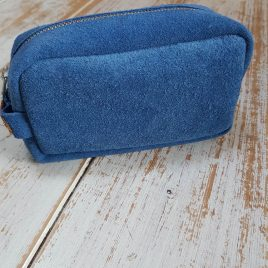 semms blauw suede toilettas