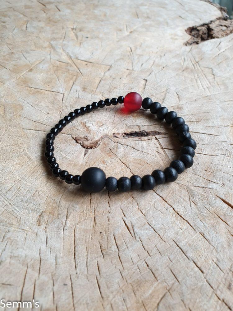 zwart kralenarmbandje
