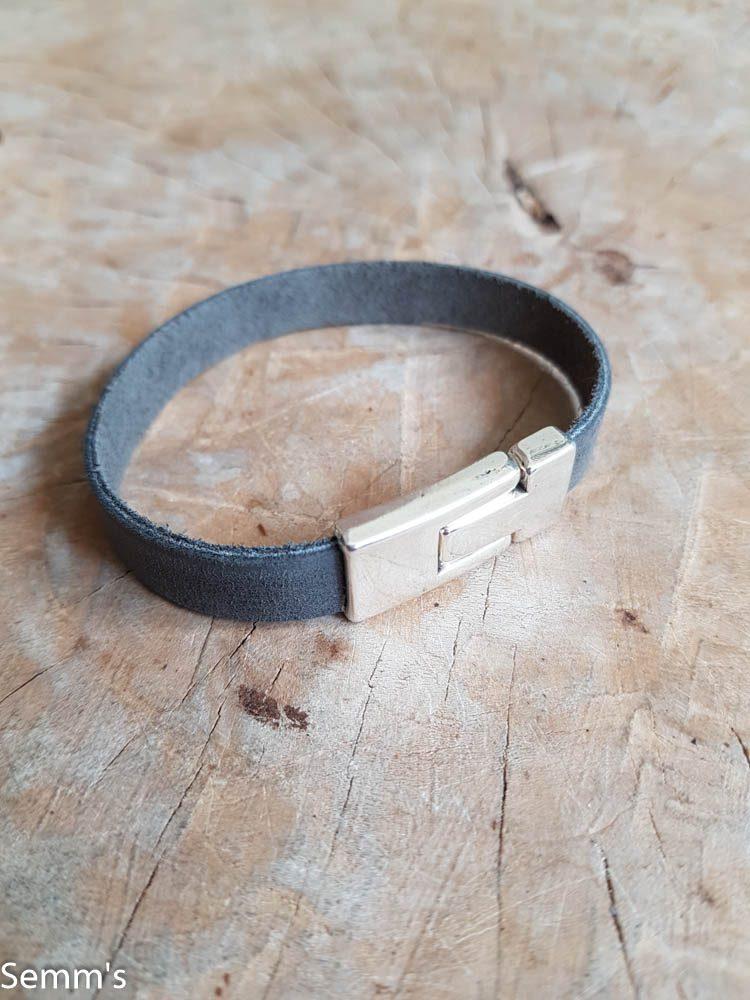 zwartgrijs leren armband