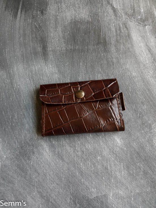 portemonnee van bruin leer met printje