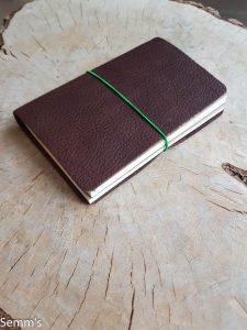 bruin leren notitieboekje