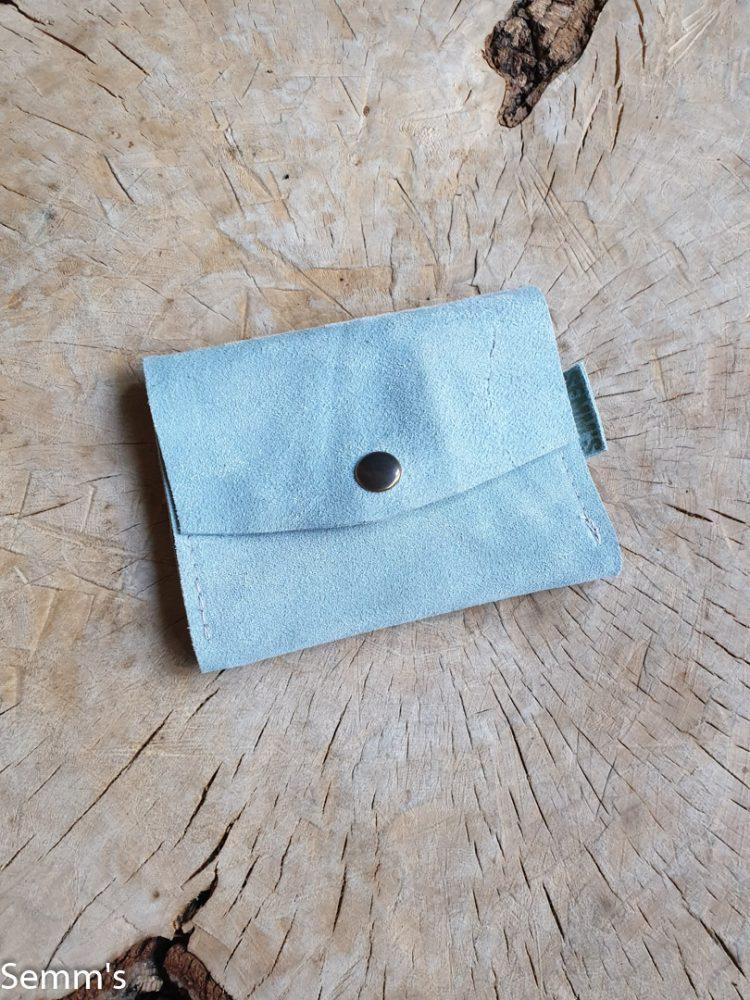 lichtblauw suede portemonnee